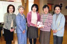 大阪YWCAこども点字図書室に支援金贈呈