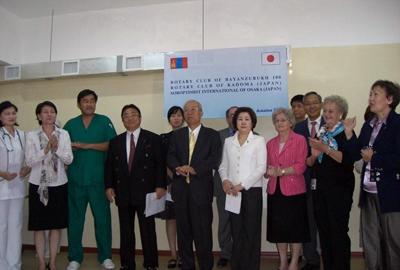 モンゴル国立衛生局 第1助産センター シリンジポンプ贈呈式に出席